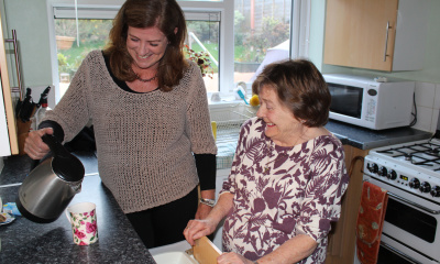 Hospice at home volunteers